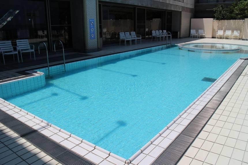 【 夏休み期間中のプール・海水浴場のご案内 】
