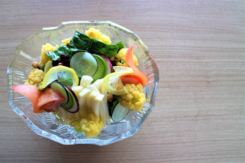 【おうちで加賀屋 #11】ご自宅でお料理を『オレンジクイーンとカラー大根のサラダ』のレシピをご紹介